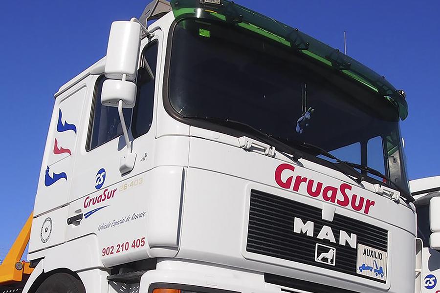 UGT y USO firman el primer convenio de empresa en el sector de Grúas en Tenerife